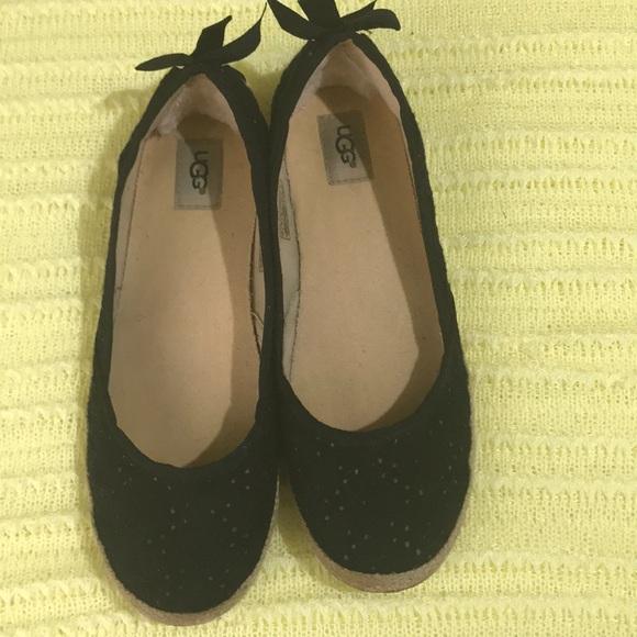 UGG Shoes | Flats Size 4 Black | Poshmark